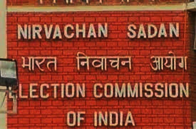 चुनाव आयोग सख्त कहा- नेता प्रचार के दौरान बरतें 'आत्मसंयम'