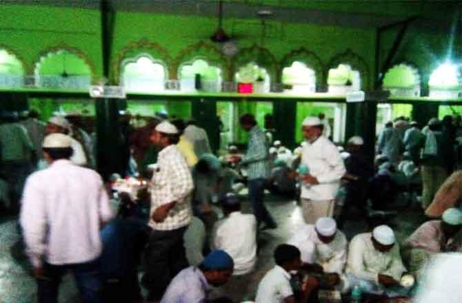 मदरसा फातिमतुज्जोहरा जगदीशपुर अमेठी में जलसा आयोजित