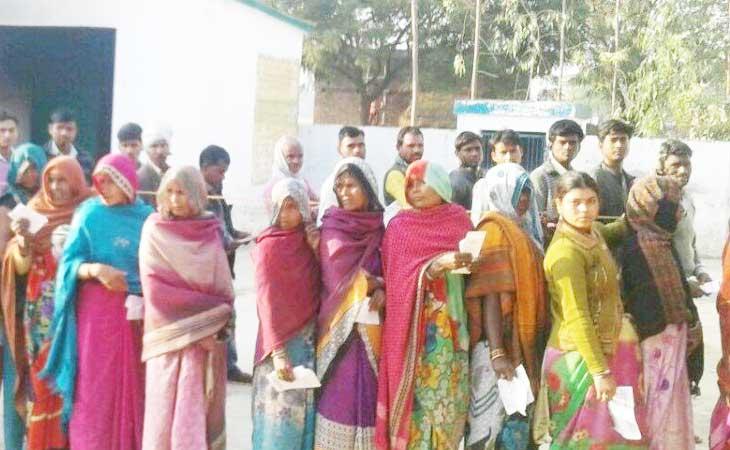 चौथे चरण में 63% मतदान, फतेहपुर में एक व्यक्ति की हत्या