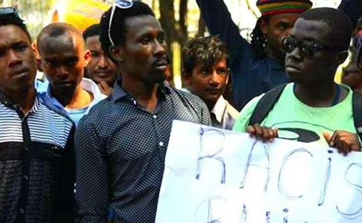 अफ्रीकियों पर हुए हमलों को नस्लीय मानने से भारत का इनकार