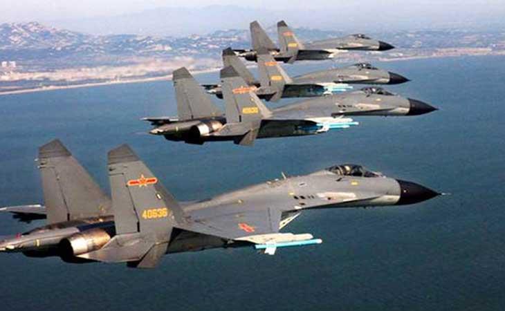 चीन के फाइटर जेट्स ने अमेरिका के सर्विलांस प्लेन का रास्ता रोका