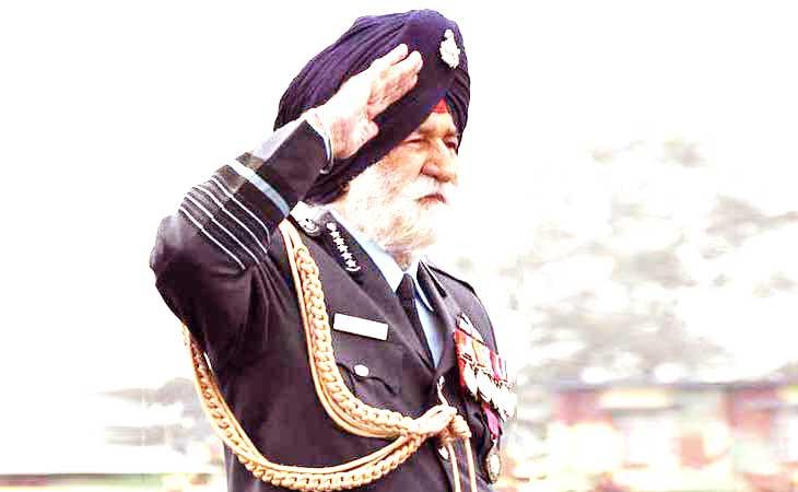 65 की जंग के हीरो एयर मार्शल अर्जन सिंह की हालत नाजुक, मिलने पहुंचे मोदी