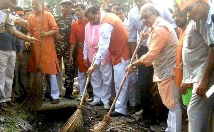 स्वच्छता दिवस के रूप में मनाया पी एम मोदी का जन्म दिवस