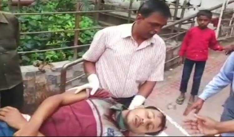 पश्चिम बंगाल पंचायत चुनाव के दौरान हिंसा में 12 की मौत,कई जगहों पर आगजनी