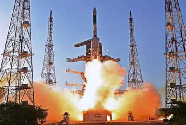 मार्च तक चंद्रयान समेत 11 प्रक्षेपण करेगा इसरो