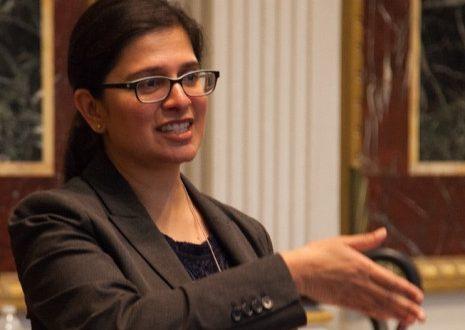 बाइडेन ने भारतीय-अमेरिकी महिला को नीति निदेशक नियुक्त किया
