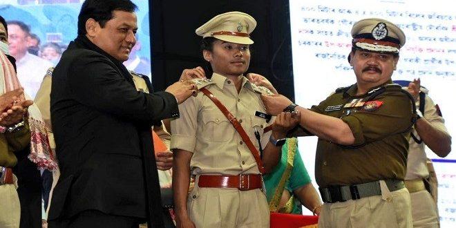 असम में डीएसपी बनीं हिमा दास, कहा- जारी रहेगा एथलेटिक्स कैरियर